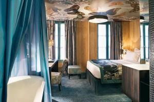 Christian-Lacroix-Hotel-La-Bellechasse