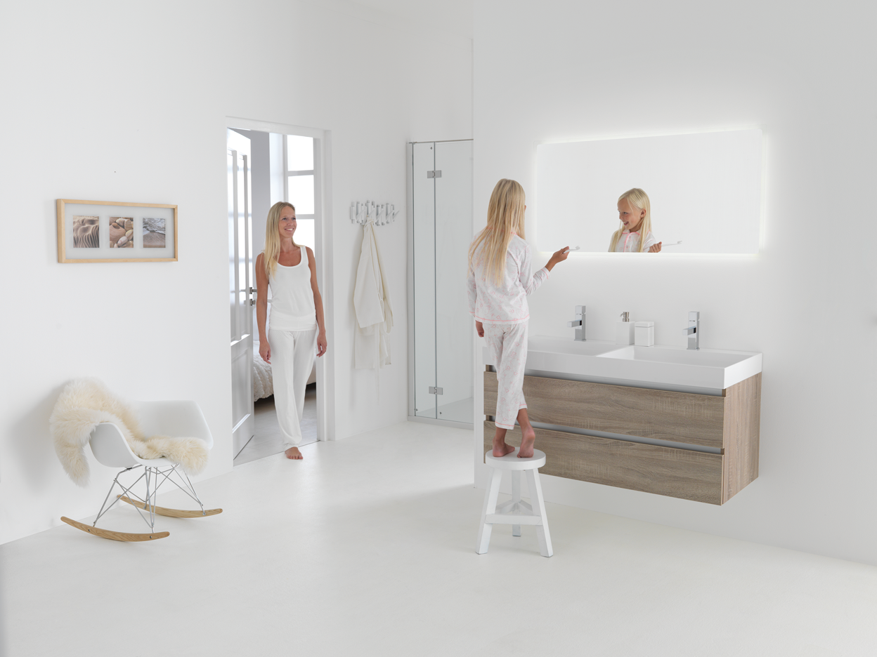 thabalux_badmabel-holz-und-led-spiegel-120-cm-nuance